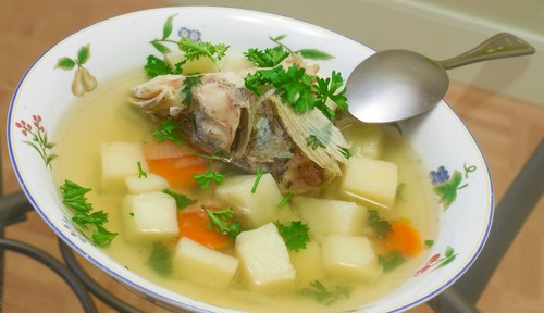 Fish head and green papaya soup recipe